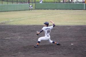 二番手ピッチャーは2年生の福村