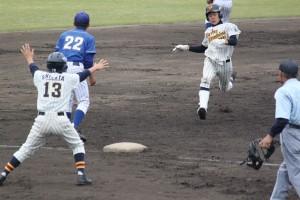 岡田悠希の三塁打