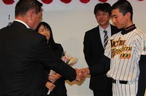中田監督と握手