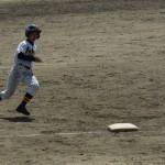 藪下のヒットで進塁